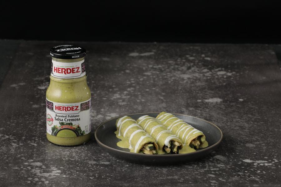 Salsas enchiladas with product